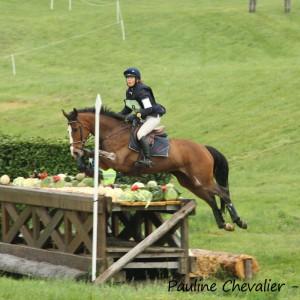 THEMIS DHELLEVILLE : MUSA  Eleonore : CE - Trophée des chevaux 7 ans